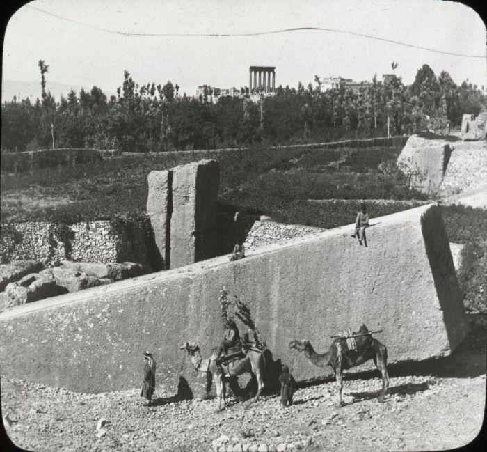 Colossal_Hewn_Block,_Ancient_Quarries_Baalbek
