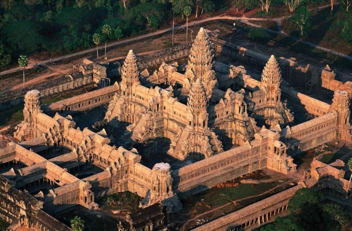 2.Angkor_Wat_Cambodia-2